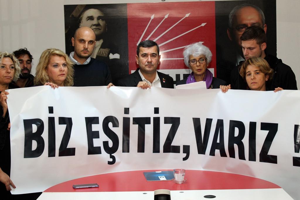 "CHP'Lİ KADINLAR ""BİZ EŞİTİZ, VARIZ!"" DEDİ"