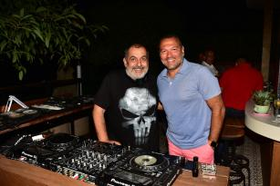 ALİ SUNAL'I DJ KABİNİNDE AĞIRLADI
