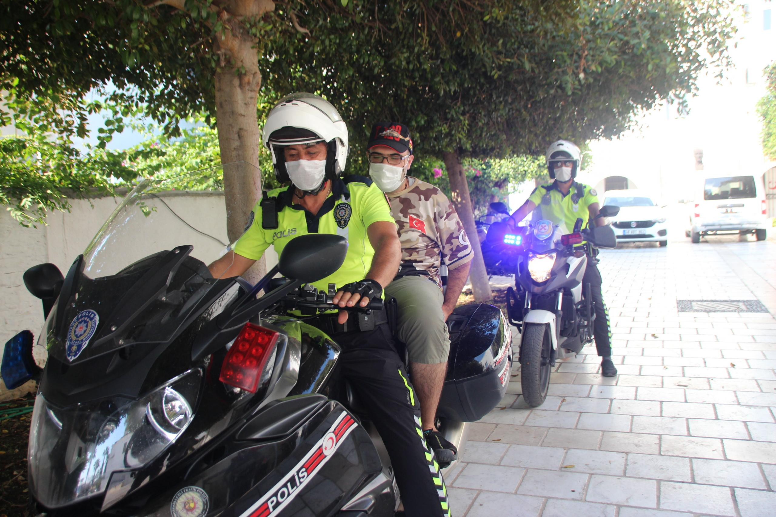POLİSTEN AYPAR'A DOĞUM GÜNÜ SÜRPRİZİ