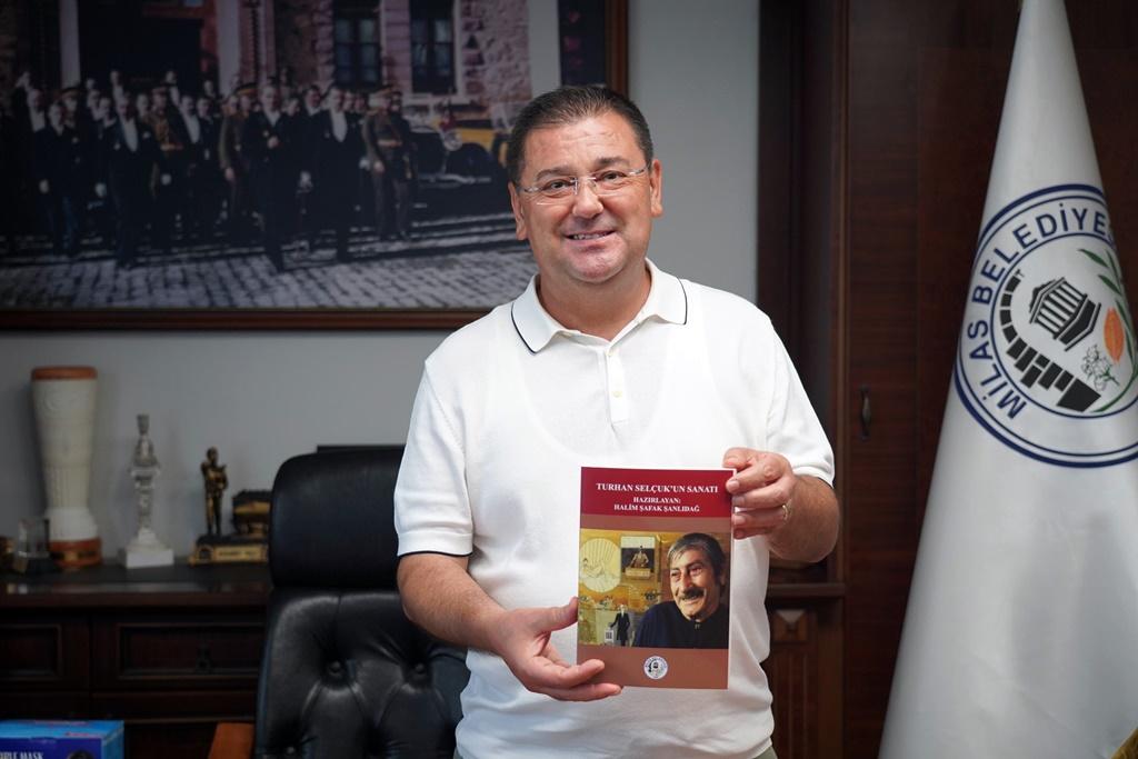"""TURHAN SELÇUK'UN SANATI"" KİTABI YAYINLANDI"
